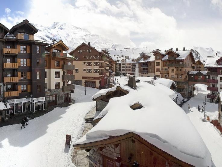 Arc 1950 Le Village is a great option for family ski holidays    http://www.ernalow.co.uk/france/les-arcs/arc-1950/pvpremiumarc1950levillage