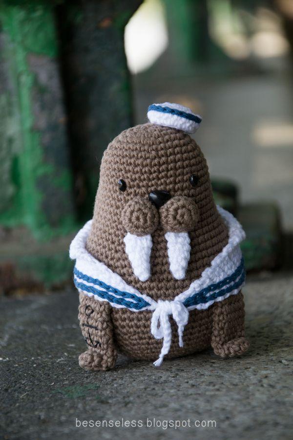 amigurumi sailor walrus - tricheco marinaio a uncinetto