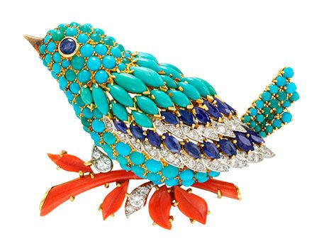 """Clip """"oiseau bleu"""" _ Van Cleff & Arpels ,1963 -Platine , or , saphirs ,turquoises ,corail et diamants  © Bowers Museum Californie, Santa Ana"""