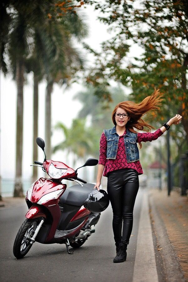 Pin On Girls And Motorbikes In Vietnam