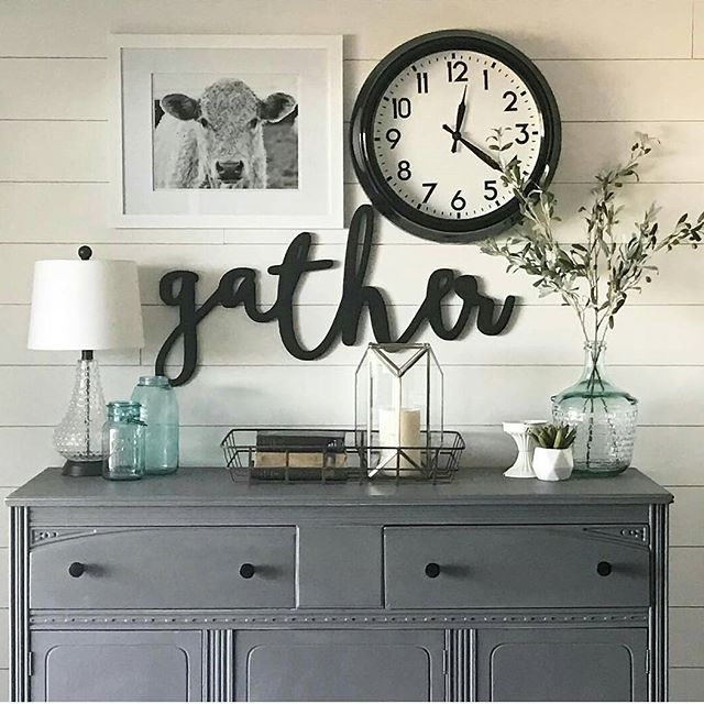 This photo by Linley @mattedink made my day!! I love the mix of my Shiloh the cow print with the @featherandbirch gather sign and all against a shiplap wall!! This couldn't get any better! 😍 If you have a #shilothecow please share it with me at #showmeyourshiloh or #shilohthecow !! 🐮 If you don't have a print you can get one at my Etsy shop downshilohroad. There are 3 colors and lots of sizes and prices for every home. 😄