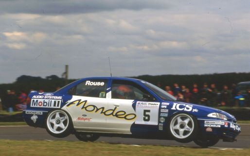 Ford Mondeo Touring car