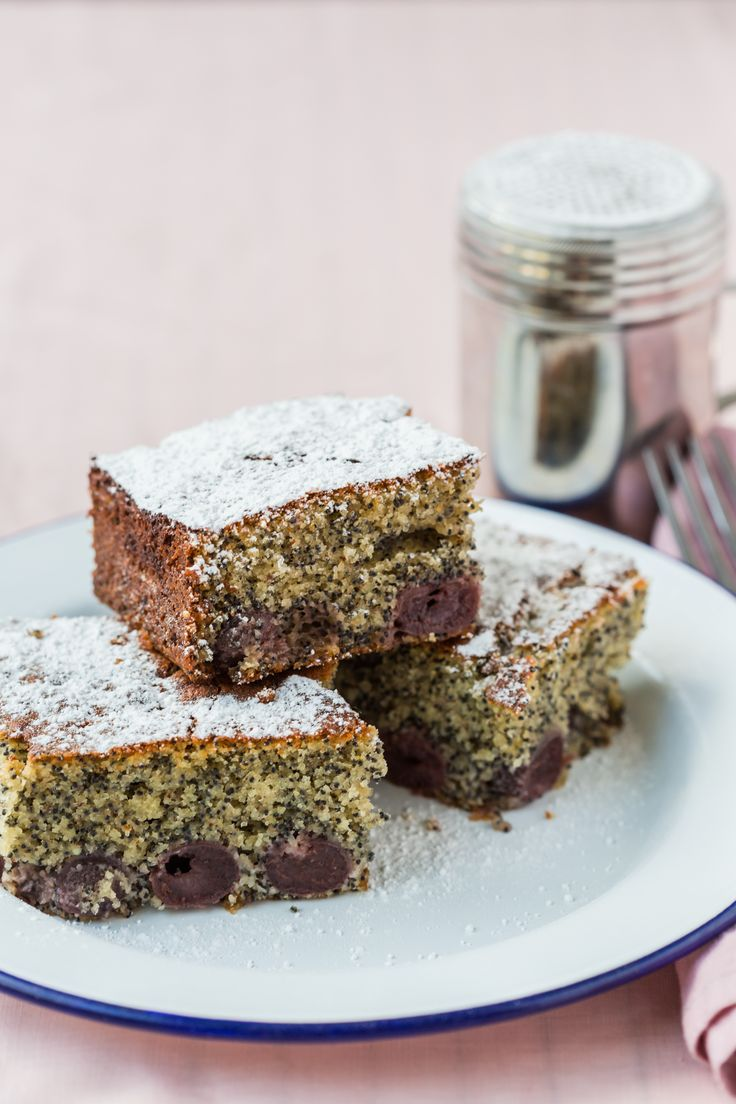 Delicious Thermomix Poppyseed Cherry cake. Easy recipe for a lazy afternoon.