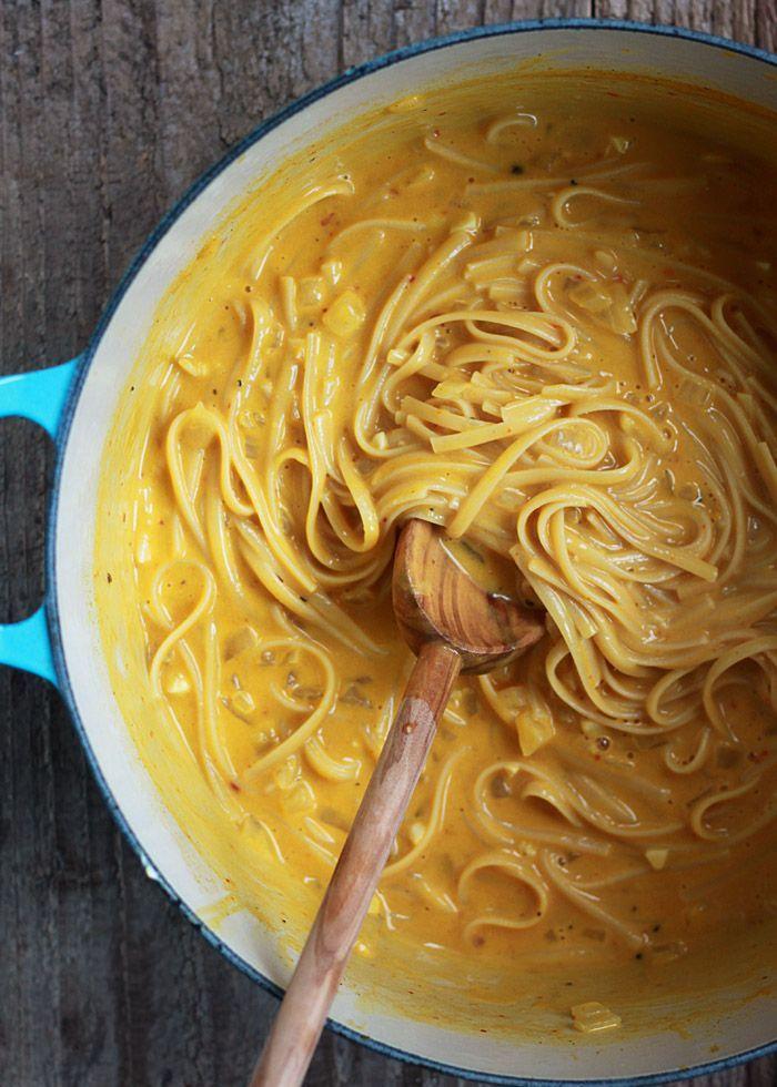 One Pot Creamy Pumpkin Pasta - Luxuriously creamy pumpkin pasta in 20 ...