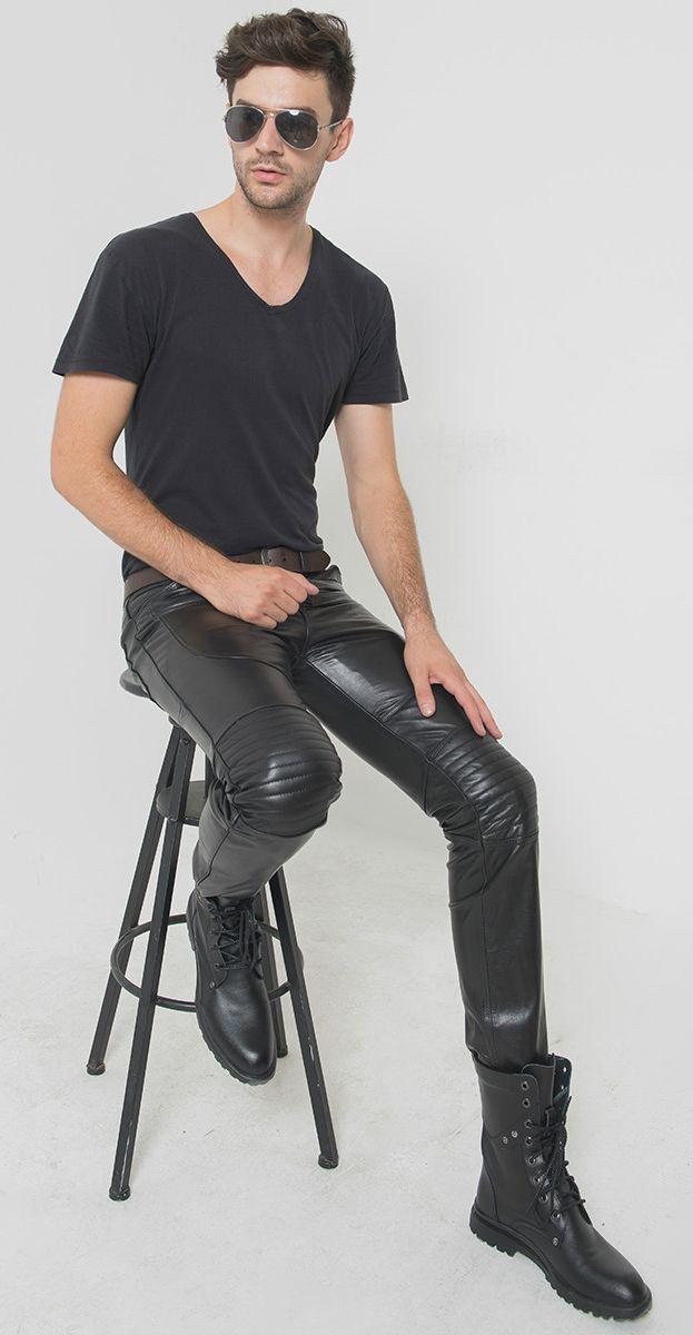 Un passionné de cuir et de bottes Leather and high boots Leder und Stiefel Leer en laarzen