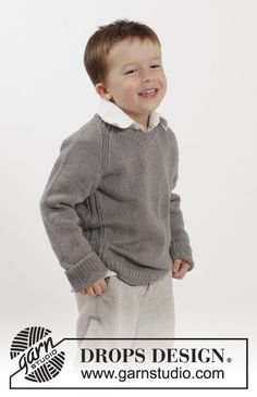 """Knitted DROPS jumper with raglan and V-neck in """"Belle"""". Size 2-10 years ~ DROPS Design"""