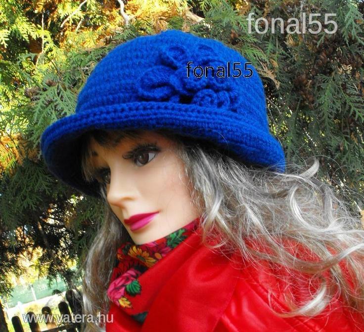 Horgolt női kék kalap egyedi !