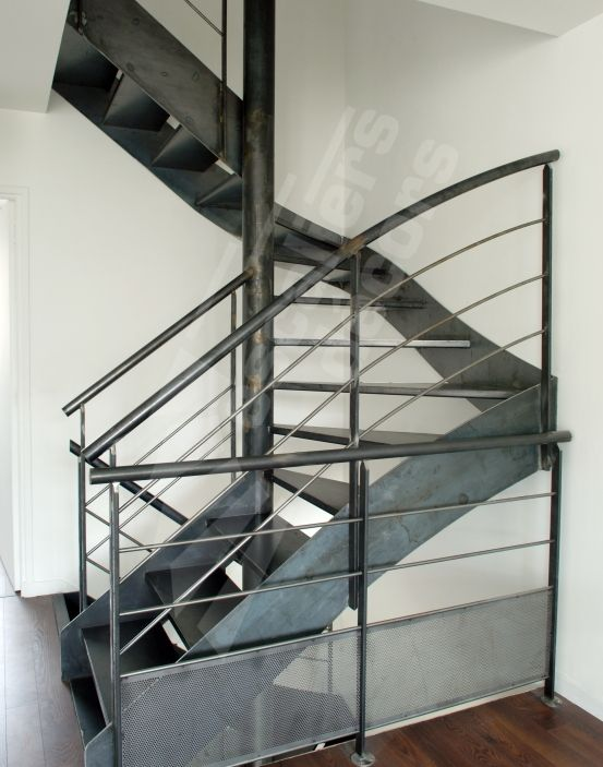 12 best escaliers images on pinterest stairways interior stairs and stair design. Black Bedroom Furniture Sets. Home Design Ideas