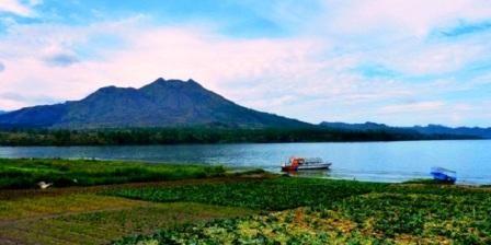 Pesona Wisaa Alam di 4 Danau Paling Indah di Bali