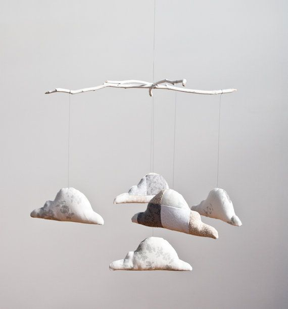 neutral nursery.How To Make Mobiles, Diy Baby Mobiles, Decor Ideas, Diy Fashion, Diy Gift, Clouds Mobiles, Wraps Gift, Neutral Nurseries, Mobiles Clouds