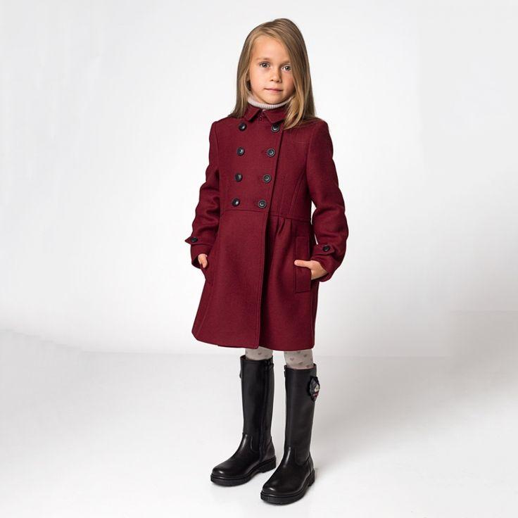Сапоги Dolce & Gabbana цена по запросу, пальто Burberry цена по запросу.
