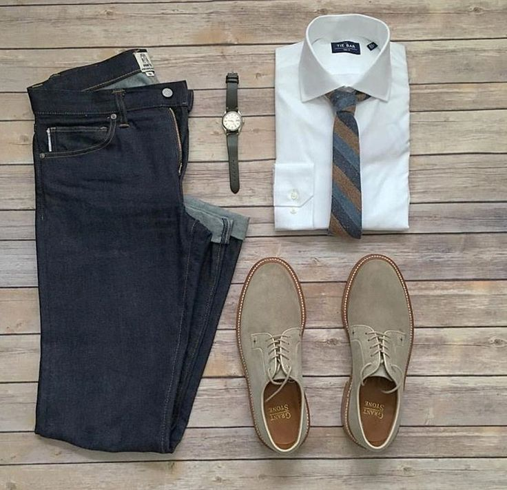 Plaid tie and tan suede shoes.