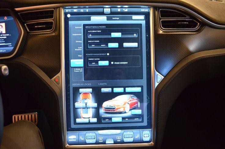 Tesla Infotainment is the best we've seen yet. Ottawa Autoshow