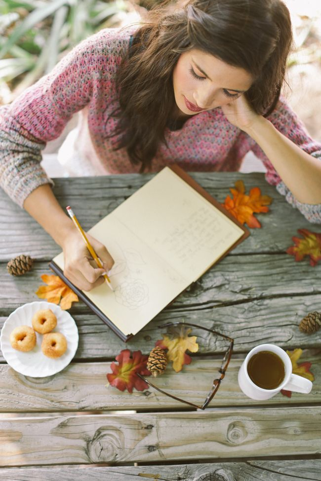 dark black hot tea & grain-free autumn donuts