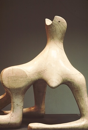 """1951.- """"Mujer reclinada"""". HENRY MOORE. Escultor inglés que dijo había un TAMAÑO FÍSICO PARA CADA IDEA."""