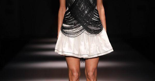 https://www.pinterest.com/r/pin/284008320235484572/4766733815989148850/28b77fd4391538318ec7ba8943cfa0e6ab2a61faf062b679a3a84c8f0e5adf3d    #indian #fashion #show