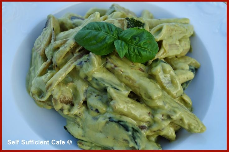 Self Sufficient Cafe: Courgette Pasta with Basil Cream