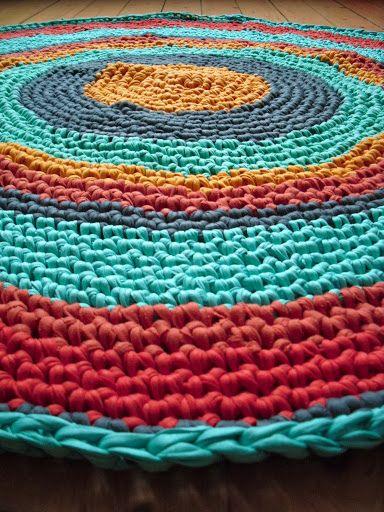 Summer crochet rug inspiration Tarn {T-shirt Yarn}. http://www.tarnsa.co.za/
