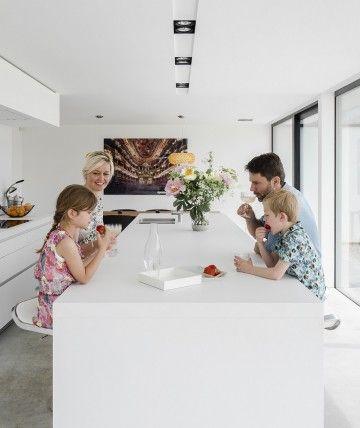 leefkeuken bulthaup door ABSBouwteam   http://www.absbouwteam.be/een-selectie-realisaties/gezellig-gezinsleven   Beeld 2 #lookimhome #kitchen #bulthaup