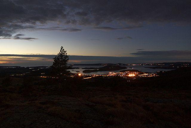 Fitjar by Night | Flickr   Mikael Leppä November 27, 2012