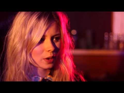 Scottish chanteuse Nina Nesbitt is back on our stage with Rob da Bank at Bestival. Here's the exclusive interview by District MTV! #REPLAY4Bestival