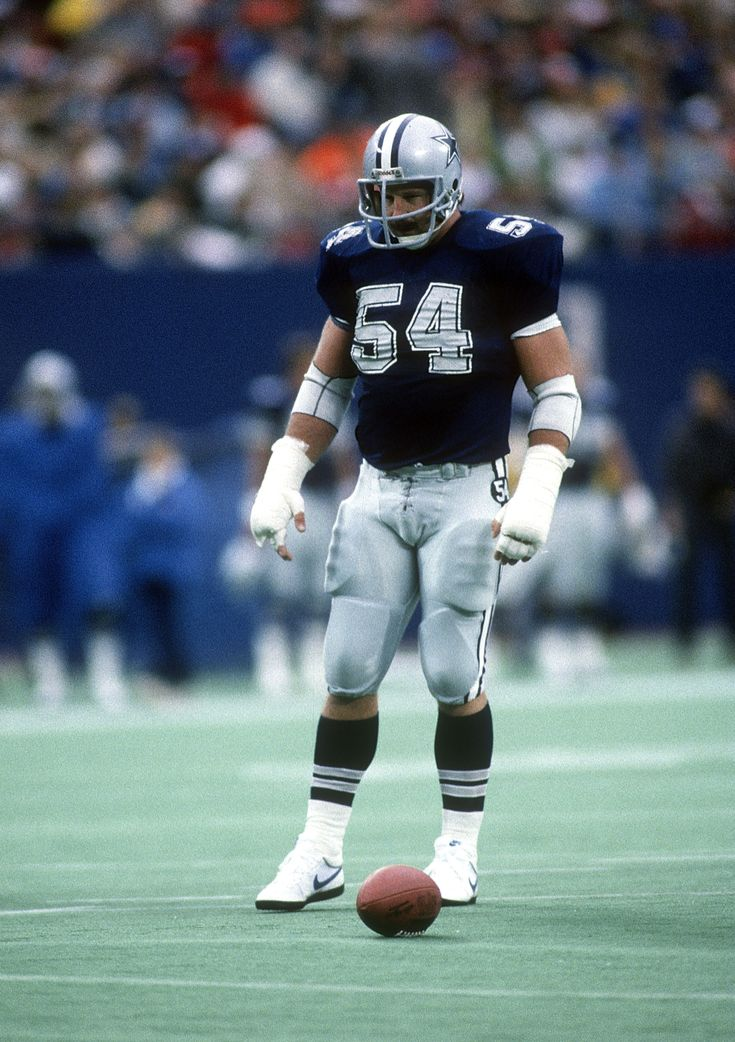 Randy White.This is in Giants Stadiun in I am guessing maybe 1980 or 83