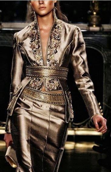 Algerian fashion: gold metallic karakou                                                                                                                                                     Plus                                                                                                                                                                                 Plus
