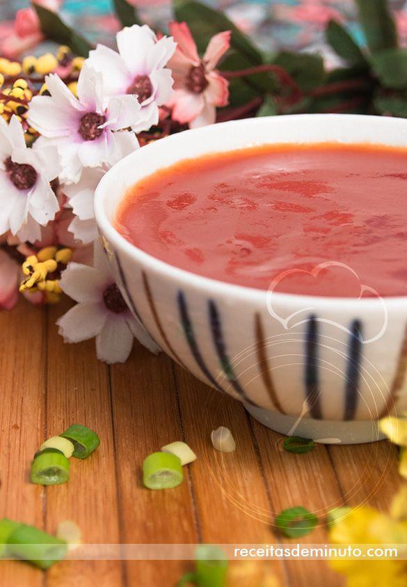 Molho Agridoce, perfeito para servir com harumaki (rolinho primavera) ou peixe e frango empanado. Veja a receita aqui: http://receitasdeminuto.com/molho-agridoce