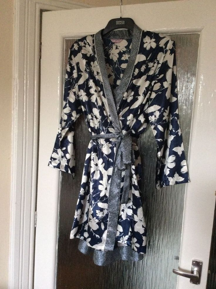 M&S PER UNA Ladies dressing gown/Wrap with matching Nightdress UK12-14