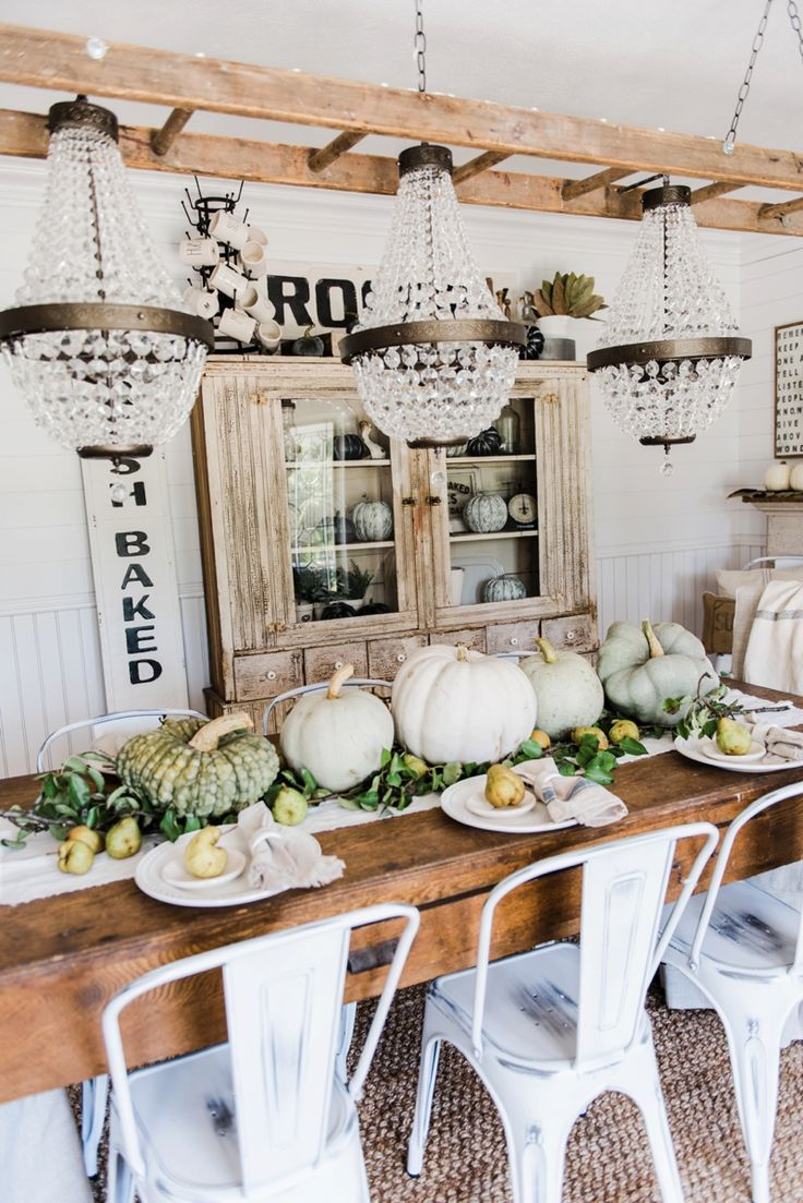 17 Best ideas about Farmhouse Table Centerpieces on