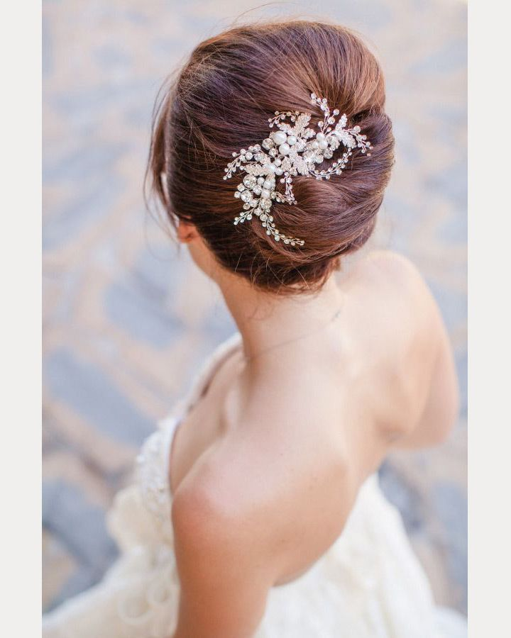 23 Evergreen Romantic Bridal Hairstyles: 23 Exquisite Hair Adornments For The Bride