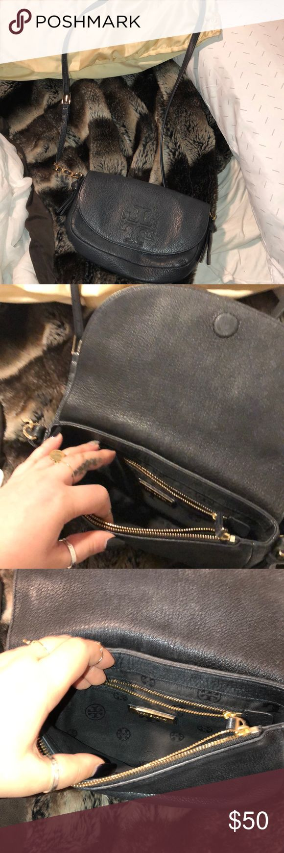 Tory Burch crossbody bag small size Used but still good condition Tory Burch Bags Crossbody Bags
