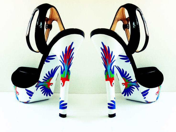 """""""Попугай"""" дизайн для украшения ваших любимых туфель, чтобы быть ВИДНЕЕ! ВЫШЕ! МОДНЕЕ!  #стильноукоговидно #ипустьвсеоглядываются #стиль #мода #красота #туфли #каблуки #стильно #модно #обувь #карманпринт"""