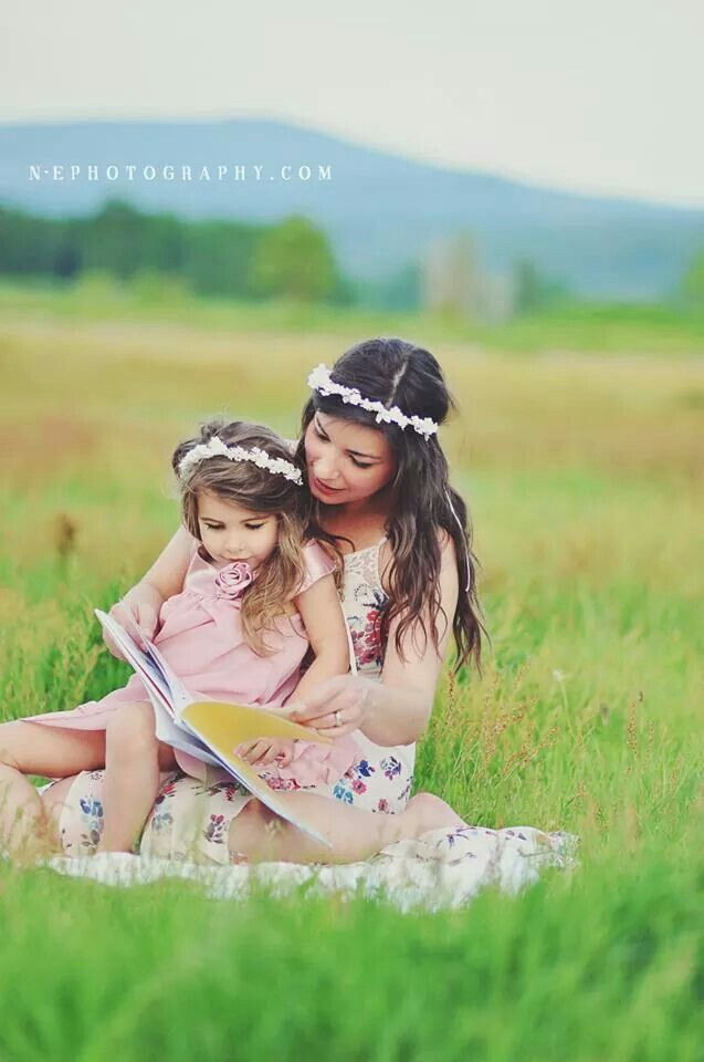 I love reading to my girls and they love books  Mother daughter photos <3 this one