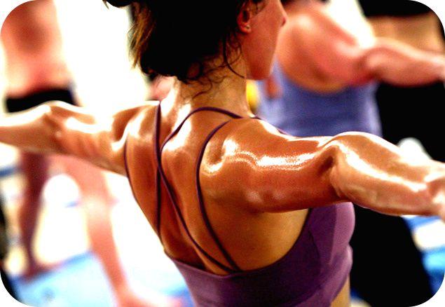 YOGA Y DESINTOXICACIÓN DE LOS ÓRGANOS DE LIMPIEZA DEL CUERPO Los órganos principales de limpieza del organismo con los pulmones, la piel, los riñones, el hígado y los intestinos. Es muy importante mantenerlos limpios y facilitar su labor diaria de desintoxicar el organismo. Además de la práctica de las asanas del hatha yoga, que cumplen una profunda función de drenaje y desintoxicación, el ayuno y control de alimentos y bebidas ingeridos cumple un papel terapéutico www.unrespiro.es