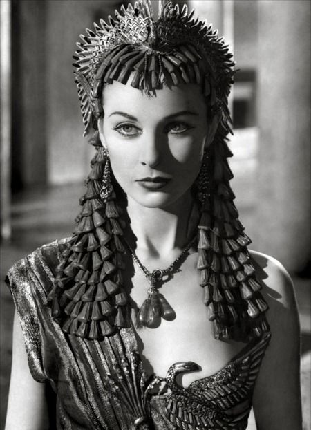 Stunning.Vivian Leigh in Caesar and Cleopatra, 1945.***Research for possible future project.