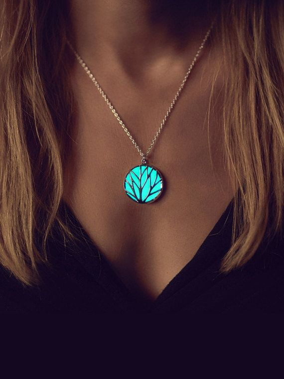 Aqua Glowing Circle Necklace - Glow in the Dark - The Perfect #Christmas #Gift @etsy