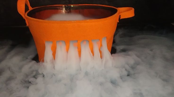 Dry ice makes halloween awesome video dry ice