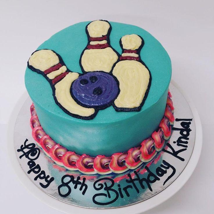 Bowling Pin and Ball Cake