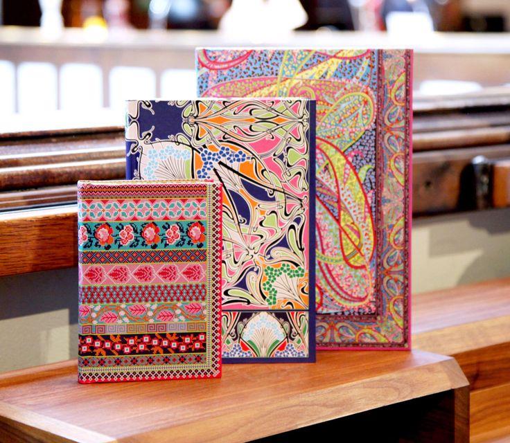 Le liberty en cahier avec la collection de papeterie Libretto - Cahiers à partir de 15 euros, blocs de feuillets adhésifs 10 euros