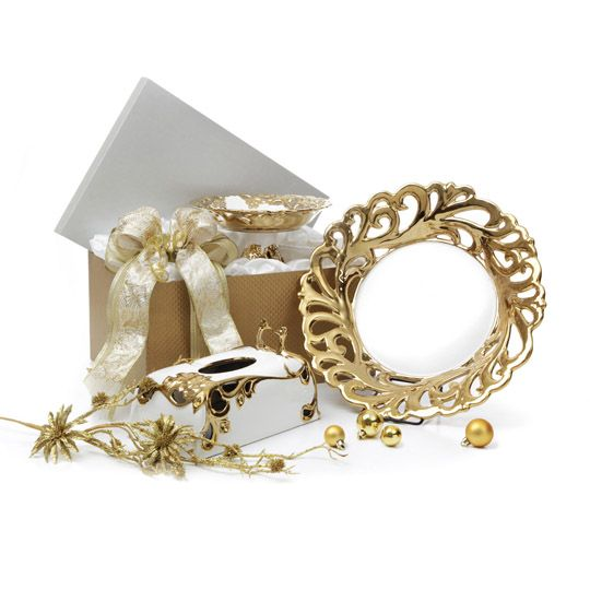 """The Dazzling Platter  160 €  WHITE GOLD PLATTER 15.5""""  1 pcs  WHITE GOLD PEACOCK TISSUE BOX 10""""  1 pcs  WHITE GOLD FOOTED BOWL SMALL 9""""  1 pcs"""