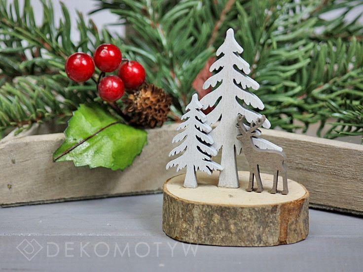 dekoracja na drewienku choinki i renifer