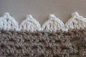 If you'd like to use a pretty scalloped edging to finish off one of your craft projects, grab this free crochet pattern and give it a try.