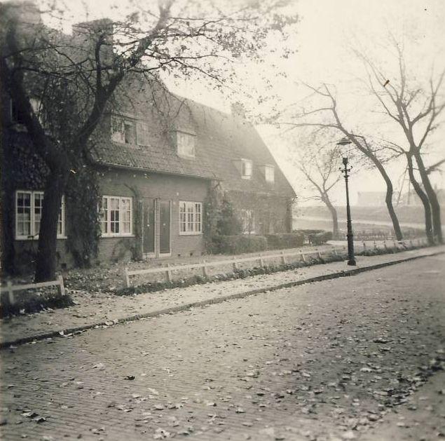 1936 Langegeer richting Vaarzeveld, op de achtergrond de Smeetslandsedijk.