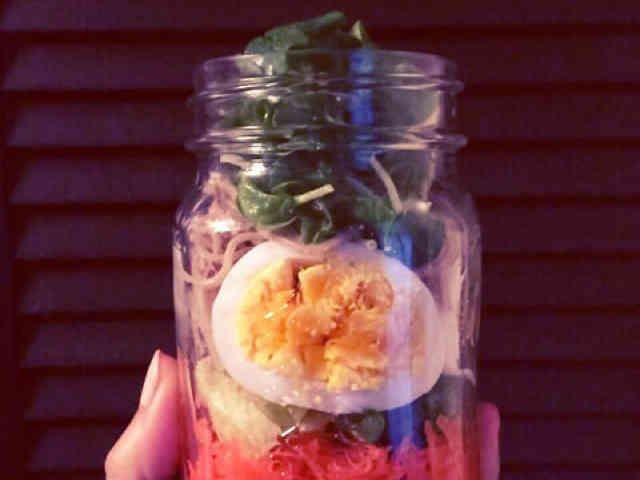 和風 お蕎麦のメイソンジャーサラダの画像