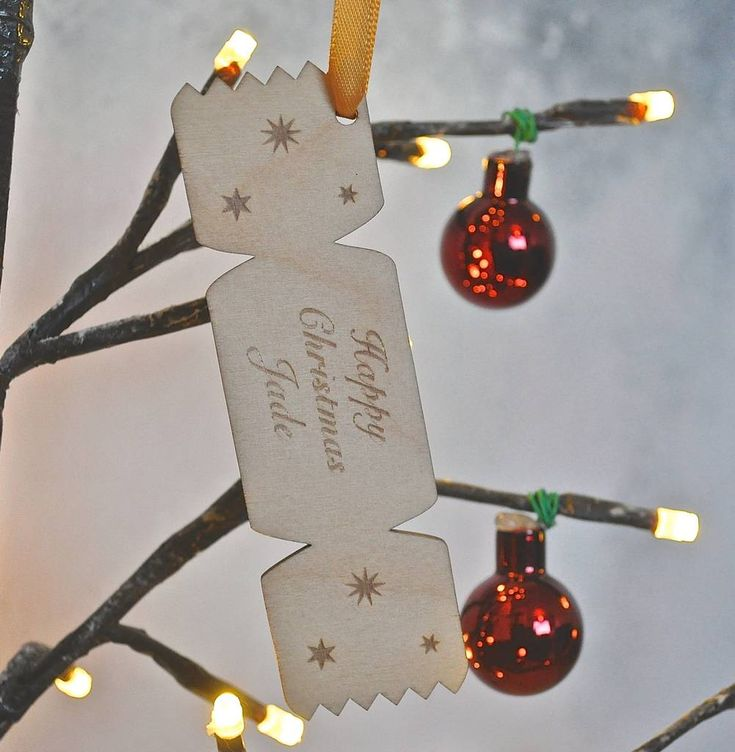 Are you interested in our Personalised Christmas Gift Tag? With our Personalised Chrismas Cracker Decoration you need look no further.