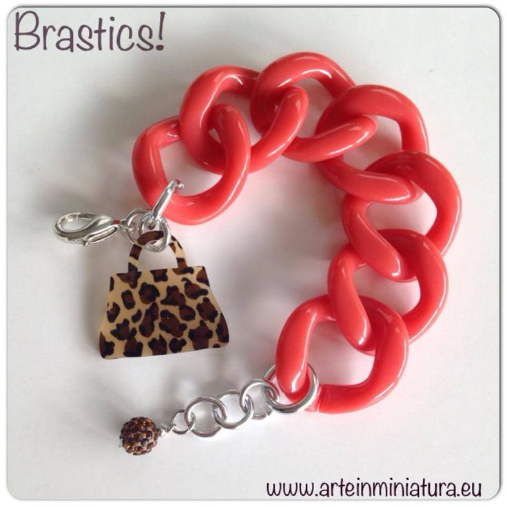 Best quality Italian Resins Chains, Animalieur and Coral to be very fashion and trendy!!!  www.arteinminiatura.eu
