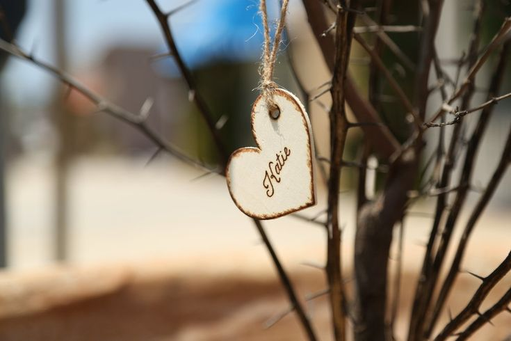 These rustic bridesmaid gift tags can even double as an adorable Christmas tree ornament!