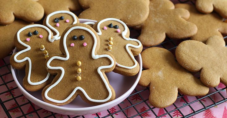 'Tis the season for gingerbread biscuits and what better way to entertain the kids is there than getting them all hands-on in the kitchen?