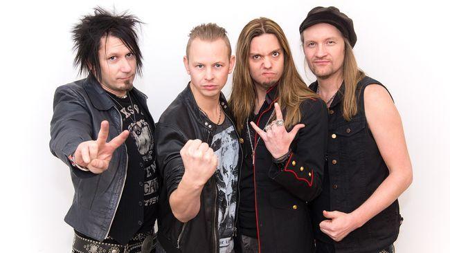 Erik är både låtskribenten bakom Eclipses bidrag och sångare i bandet. I år gör både han och bandet debut i Melodifestivalen.